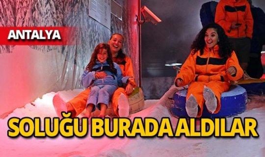 Antalya'da yaz ayında kar keyfi!