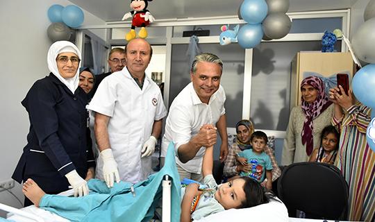 Başkan Uysal'dan çocuklara sünnet hediyesi!