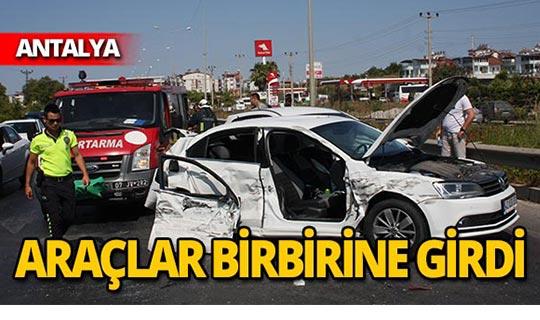 Zincirleme kaza! 4 araç karıştı