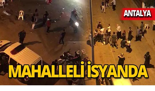 """Antalya'da mahalleli isyan etti: """"Balkonumuza çıkamıyoruz"""""""