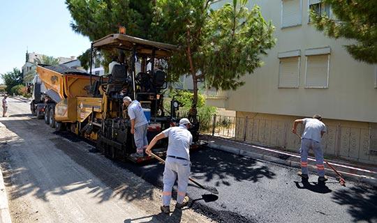 Muratpaşa Çağlayan'da çalışmalarını sürdürüyor