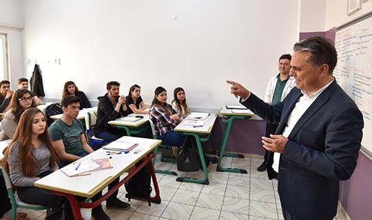 Muratpaşa'da 1308 öğrenci için ders zili çalıyor