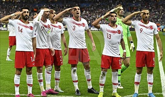 A Milli futbol takımımız Fransa'dan 1 puan ile dönüyor