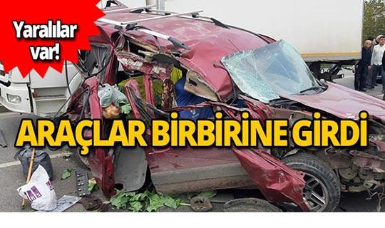 Trafik kazasında araçlar birbirine girdi!