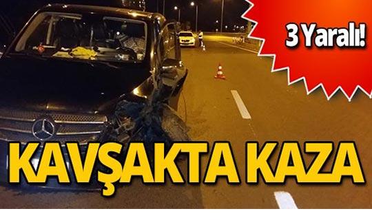 Turist taşıyan minübüs kaza yaptı