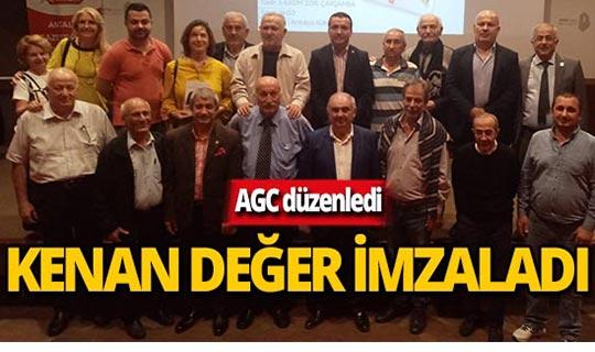 AGC kurucusu Kenan Değer'e imza günü düzenledi