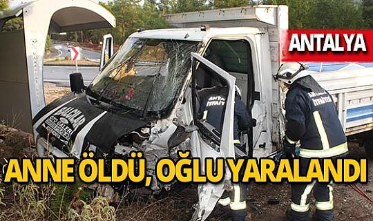 Otomobil ile kamyonet çarpıştı: 1 ölü, 2 yaralı!