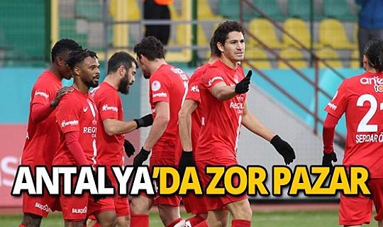 Antalya'da zor Pazar