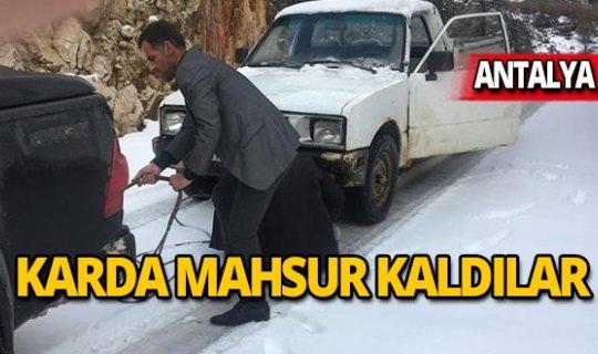 Antalya'da 4 vatandaş karda mahsur kaldı
