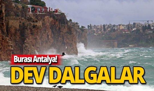 Antalya sahillerinden film gibi görüntü!