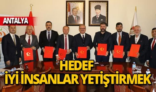 Antalya Valiliği'nden 'İyi insan hareketi'