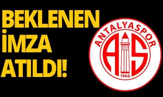 Antalyaspor'da beklenen imza atıldı!