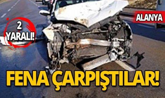 Otobüsle otomobil çarpıştı: 1'i çocuk 2 yaralı