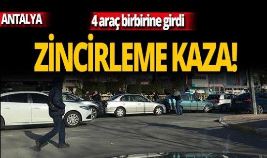 Antalya'da 4 araçlı zincirleme kaza!