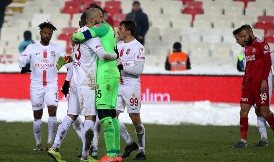 Fraport TAV Antalyaspor 'Ziraat Türkiye Kupası'nda yarı finale yükseldi