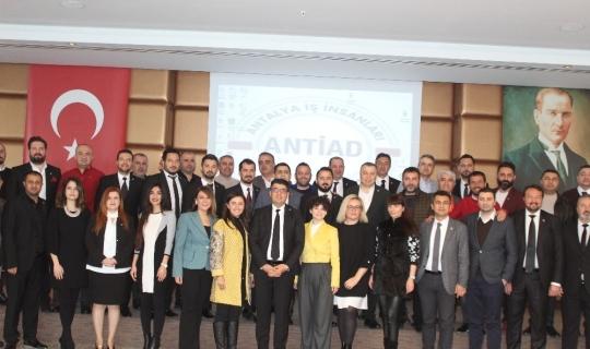 """ANTİAD Başkanı Ferhat Yıldız: """"Antalya ekonomisi 2020'de çok mesafe kat edecek"""""""