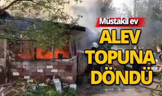 Antalya Kepez'de müstakil ev yandı