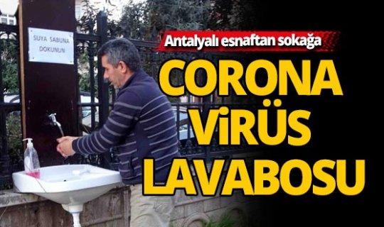 Antalya'da esnaftan sokağa korona virüs lavabosu
