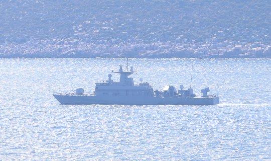 Yunan savaş gemisi Meis Adası önlerinde