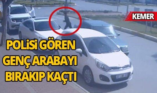 Antalya'da polisi gören genç arabayı bırakıp kaçtı