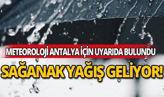 Antalya'da sağanak yağış devam ediyor!
