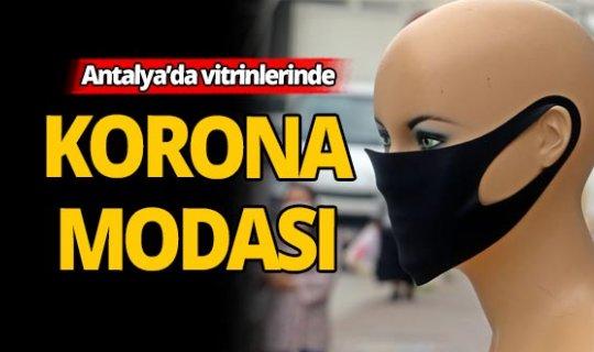 Antalya'daki vitrinlerde maske rüzgarı