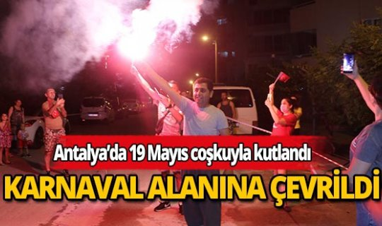 Antalyalılar sitelerin bahçesini karnaval alanına çevirdi