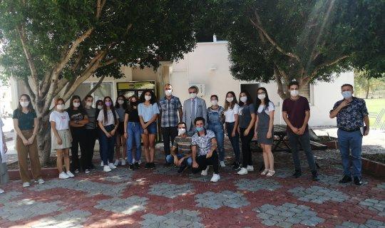 Antalya haber: Necati Topaloğlu öğrencilerle bir arada
