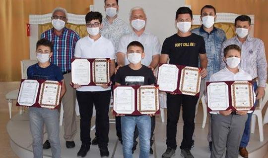 Kumluca'da 7 öğrenciye hafızlık belgesi