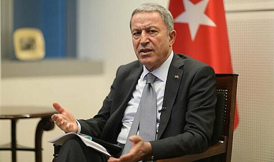 Milli Savunma Bakanı Akar, canlı yayında soruları yanıtladı