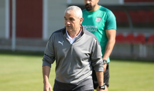 Rıza Çalımbay'dan Villarreal maçı açıklamaları