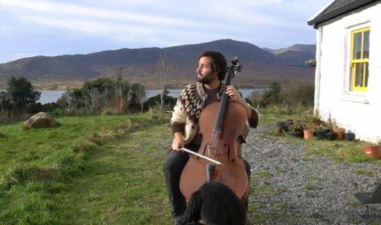 İrlandalı müzisyenden çello resitali