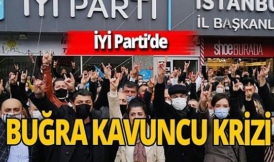 İstanbul il başkanlığı önünde eylem! İYİ Parti üyesi bir grup Buğra Kavuncu'nun istifasını istedi