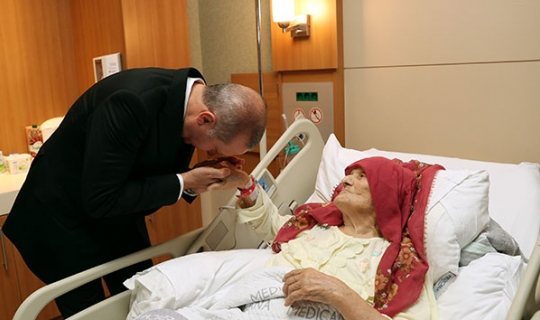 Cumhurbaşkanı Erdoğan'dan Nazmiye nineye ziyaret