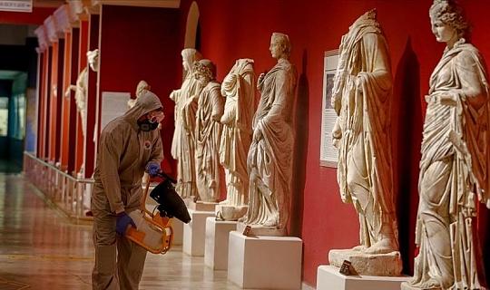 Antalya Müzesi açılış hazırlıklarında 'Kovid-19' hassasiyeti