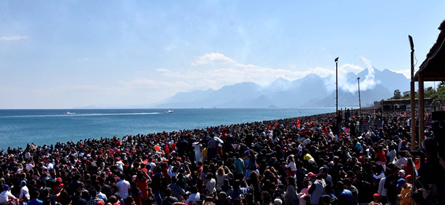 Türk Yıldızları'ndan Antalya'da muhteşem şov