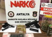 Antalya'da 8 kişi gözaltına alındı