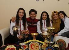 Genç kızlardan büyük başarı