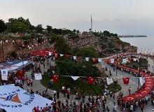 Antalya'da organize edilen Fener Alayı'na binlerce kişi katıldı