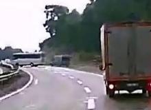 Korkunç kaza kameralara böyle yansıdı