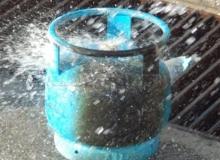 Antalya'da doktor çiftin evinde tüp patladı