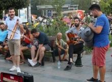 Antalya'da sokak sanatçıları yeniden sokaklarda