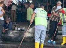 Antalyalılar kurbanlarını kesti