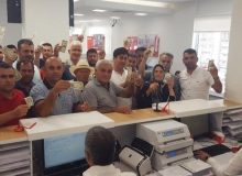 Kumluca'da vatandaşlar dolar bozdurdu