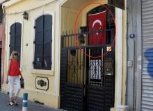 Rahip Brunson'un eşi Türk Bayraklı kiliseye gitti