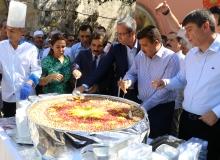Cumhurbaşkanlığı tarafından Antalya'da aşure dağıtıldı
