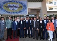 Vali Karaloğlu 5. Başkanlar Kurulu ve Spor Kulüpleri Çalıştayı'na katıldı