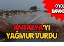 Antalya'da yolun ortasına düştü, trafik felç oldu!