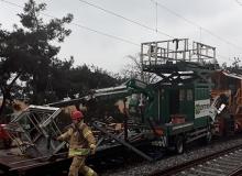 Deneme seferleri sırasında trenler çarpıştı: Yaralılar var!