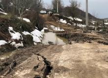 Heyelan sonucu 2 ev, 1 tavuk çiftliği ve 2 ahır zarar gördü